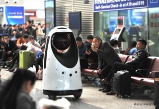 В Китае появился первый робот-полицейский