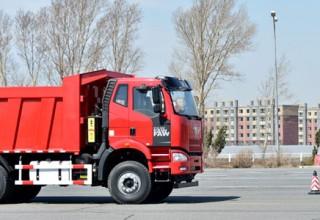 Китайские беспилотные грузовики выйдут на рынок в 2018-м