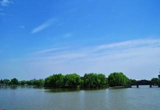 Святое: китайцам запретят купаться в озере, где проходил I-й съезд КПК