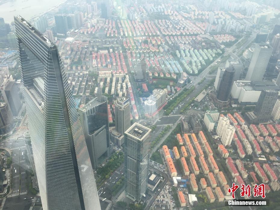 sightseeing_shanghai_tower_1