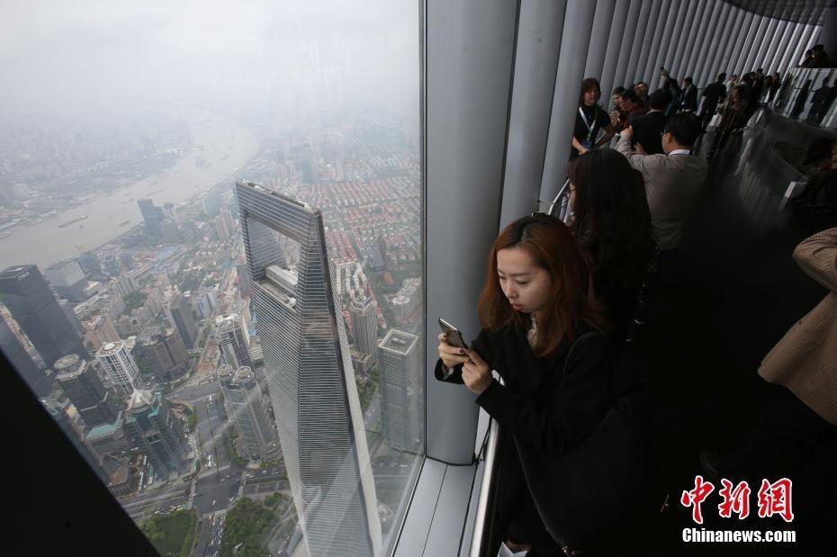 sightseeing_shanghai_tower_4
