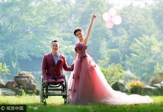 Никогда не сдавайся: как ставший инвалидом после землетрясения китаец нашел свою любовь