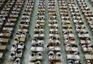 Китаянка не могла поступить в колледж 14 лет из-за украденных личных данных