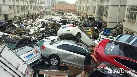 Улицы наиболее пострадавшего от наводнений города Юйлинь