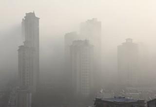 Высокие цены и смог провоцируют «утечку мозгов» из столицы КНР
