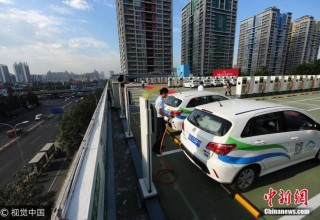 Пекин начал строить автозаправки на крышах