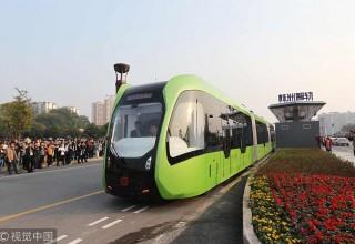 В Китае запустили первый городской безрельсовый поезд