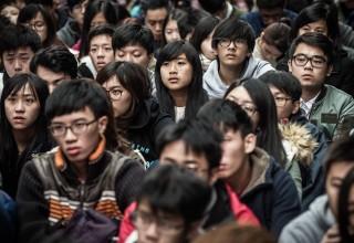 Исследование: 90% китайских первокурсников не умеют строить дружеские отношения