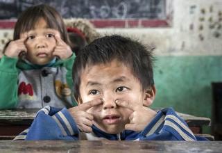 Каждый третий ребенок в КНР под угрозой остаться необразованным