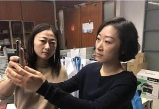 iPhone X не различил двух китаянок. Хозяйка потребовала замены