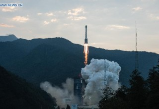 На Китай упал обломок ракеты-носителя. Китайцы решили, что это НЛО