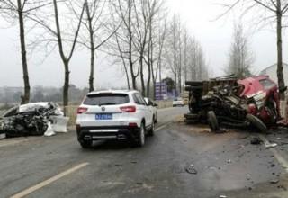 Китаец угнал машину и через 10 минут погиб в автокатастрофе