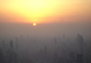 Качество воздуха в районе дельты реки Чжуцзян признано самым плохим в прошлом месяце