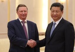 Сергей Иванов и Си Цзиньпин во время рабочего визита руководителя администрации президента РФ в Китай, июль 2014 г.
