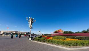 Голубое небо над Пекином после нескольких дней сильнейшего смога.