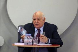 Михаил Горбачев пожаловался, что Путин не находит времени для встречи