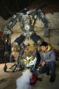 китайцы собрали робота из старых машин