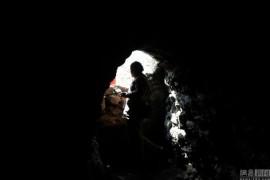 китаец живет в пещере