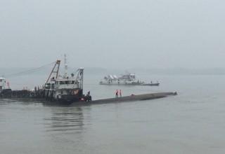В Китае из-за смерча затонул теплоход с 458 людьми на борту
