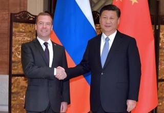 Медведев встретился с председателем КНР Си Цзиньпином