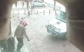 Грабитель в Китае не смог унести награбленное