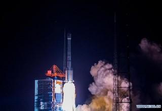 Китай запустил в космос первый белорусский спутник связи
