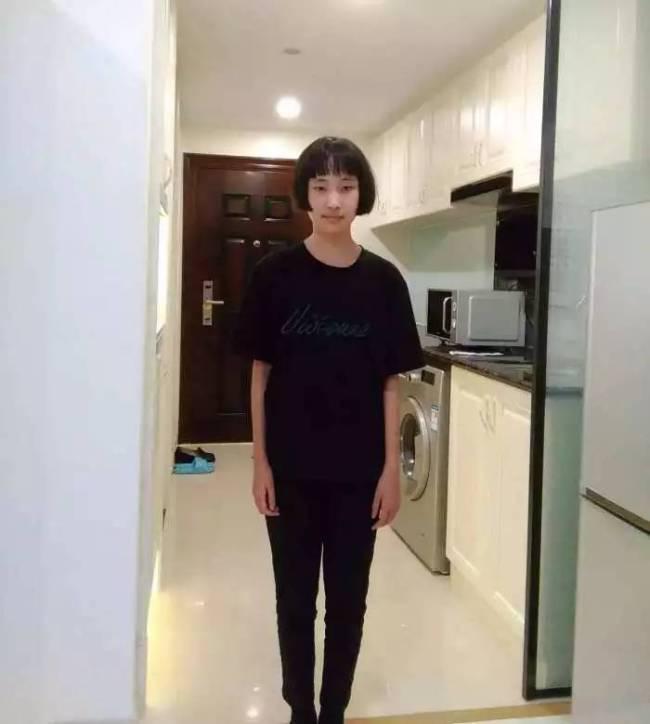 13-летняя Чэнь Шуинь, поступившая в Чжэцзянский медицинский университет. Фото: China Plus
