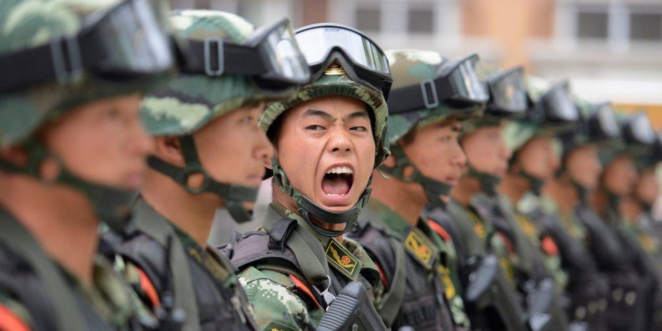 Китайские компании начали слежку заэмоциями собственных служащих