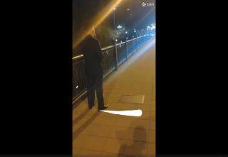 В Китае пассажир не стал платить за такси. Он оказался сотрудником прокуратуры, и полиция отпустила его без штрафа
