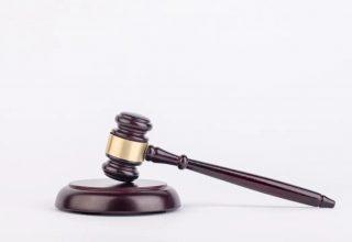 В Китае вынесли приговор первоапрельскому шутнику. Он шантажировал врача историей о похищении детей