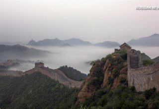 Китайский актер извинился перед публикой за танец на Великой стене