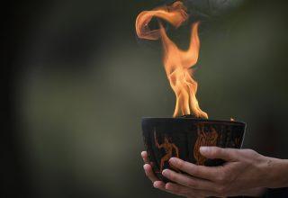Новости Китая, вечер: Олимпийский огонь для Пекина и самоубийство в ходе лайвстрима
